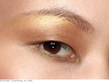 Cream and gloss eyeshadow