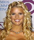 Jessica Simpson's wavy beach hair for Latin Grammy Awards