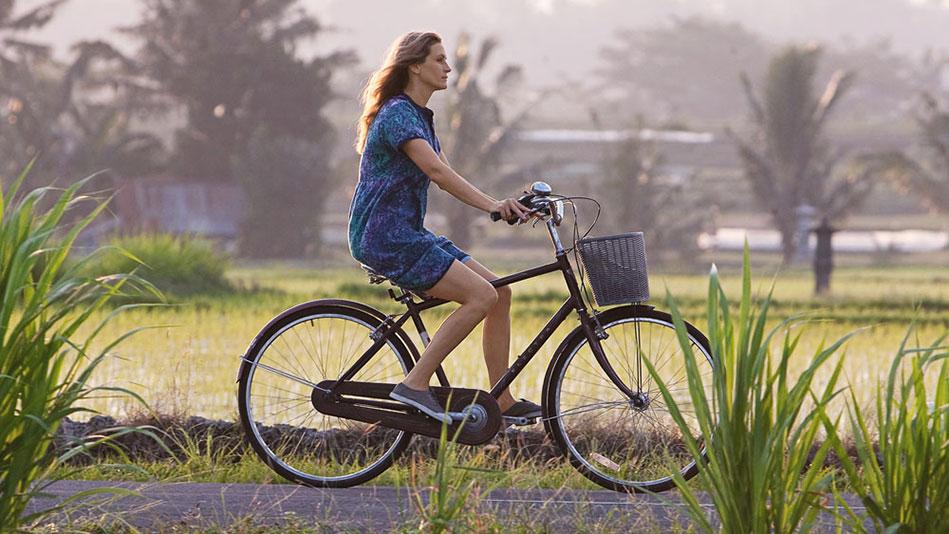 Αποτέλεσμα εικόνας για teenage girl on bike