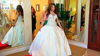 La Toya Wants a Wedding Dress to Impress