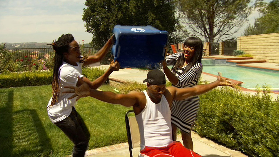 The Family Takes the Ice Bucket Challenge