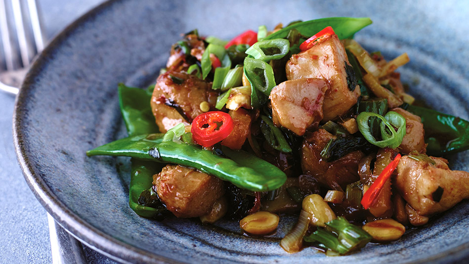 Chicken Stir-Fry with Celery and Peanuts