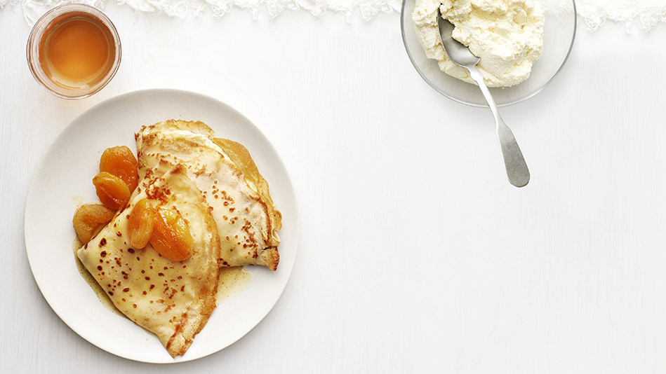 crepes with ricotta and apricot