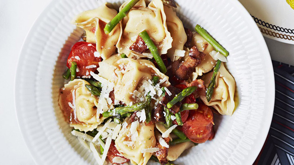 Cheese Tortellini With Bacon and Asparagus Recipe