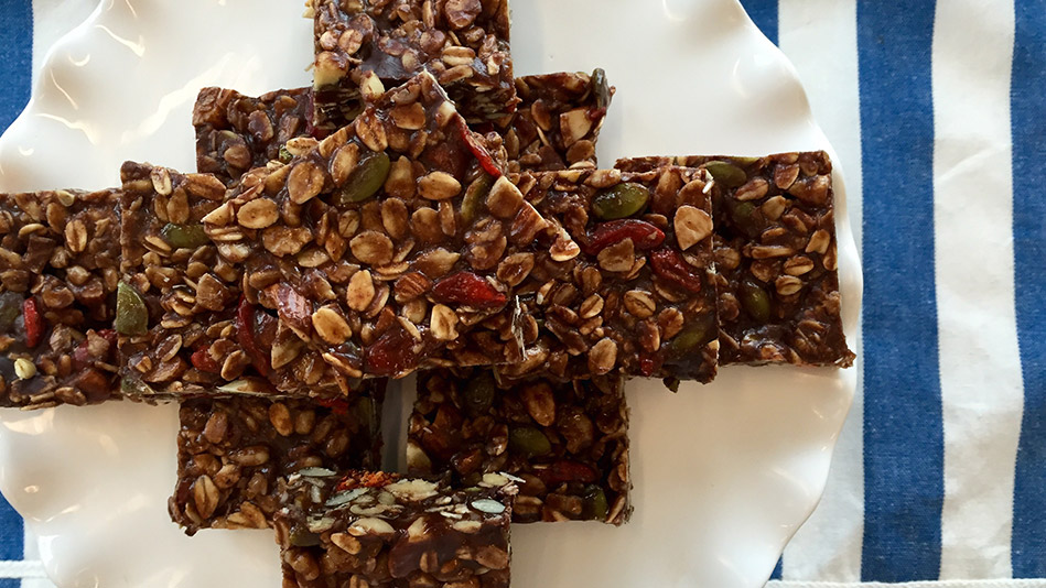 No-Bake Chocolate Almond Bars