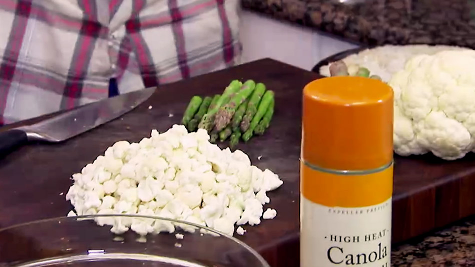 "The Addicting Cauliflower ""Popcorn"" and Asparagus ""Fries"" You Need to Try"