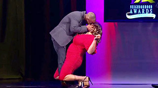 Kym Gets a Knee-Buckling Kiss from Actor Shemar Moore