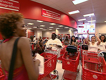 Rachael with Target shoppers during 'Oprah's Big Give.'