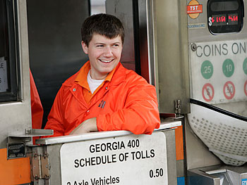 'Oprah's Big Give' contestant Cameron and Beverly in the tollbooth