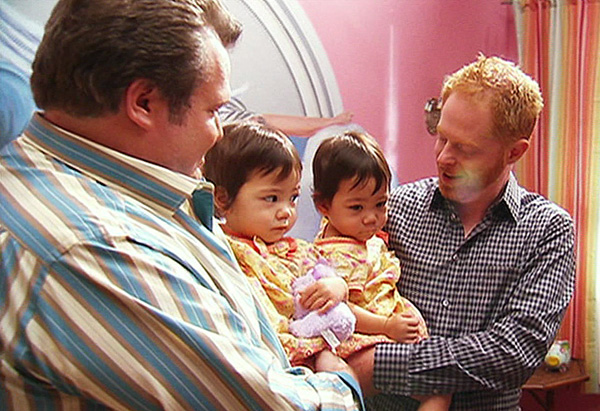 Actresses who play baby Lily on Modern Family