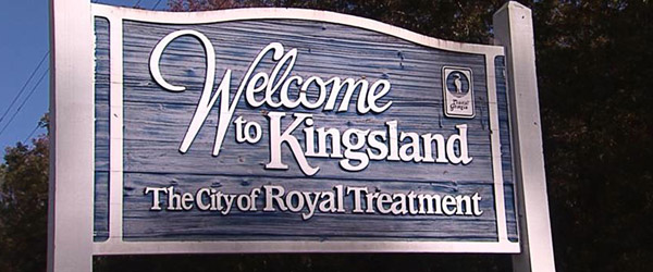 Welcome to Kingsland sign