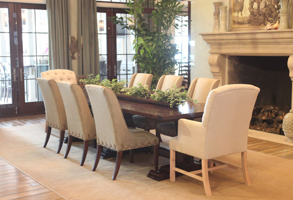 Paula Deen's formal dining room