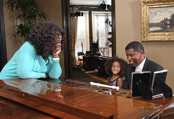 "The Grammy award-winning R&B singer Kenny ""Babyface"" Edmonds entertains his daughter, Peyton, and Oprah with a rendition of ""The Day (That You Gave Me a Son)"""