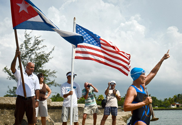 Diana Nyad gestures before her departure from Havana, Cuba