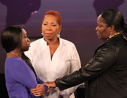 Iyanla Vanzant with two audience members