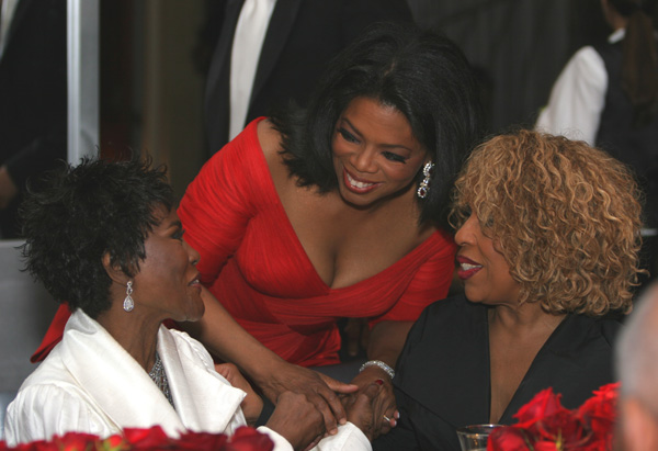 Oprah greets Cicely Tyson and Roberta Flack