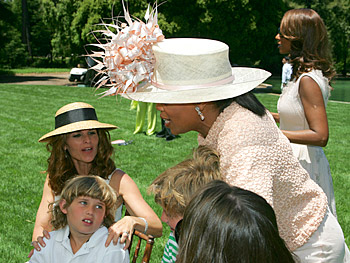 Oprah greets Maria Shriver. Copyright 2005, Harpo Productions, Inc./George Burns & Bob Davis. All rights reserved.