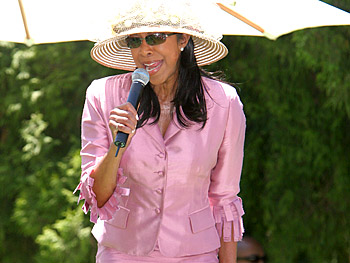 Natalie Cole. Copyright 2005, Harpo Productions, Inc./George Burns & Bob Davis. All rights reserved.