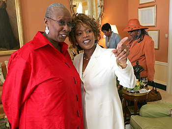 Judith Jamison and Alfre Woodard. Copyright 2005, Harpo Productions, Inc./George Burns & Bob Davis. All rights reserved.