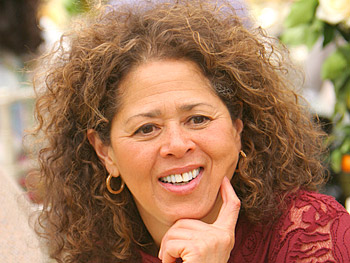Anna Deavere Smith. Copyright 2005, Harpo Productions, Inc./George Burns & Bob Davis. All rights reserved.