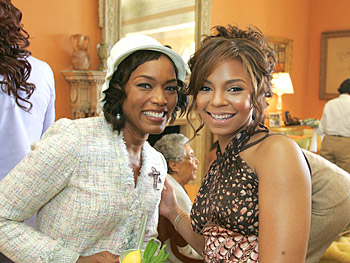 Angela Bassett and Ashanti. Copyright 2005, Harpo Productions, Inc./George Burns & Bob Davis. All rights reserved.
