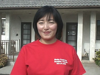 Takae Shimizu organized volunteers to clean up a neighborhood in Los Angeles.
