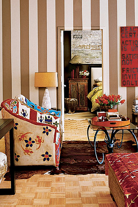European-inspired walls anchor Suzanne's living room.