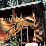 A family's allergy-free log cabin