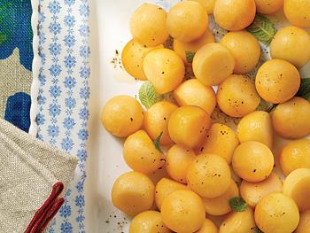http://static.oprah.com/images/presents/oathome/200803/gardens/gardens_205_350x263.jpg