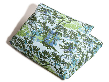 Green toile bedding