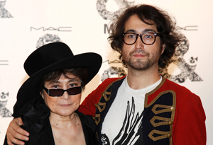 Yoko Onos Relationship With Her Son Sean Lennon