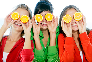 Women with oranges