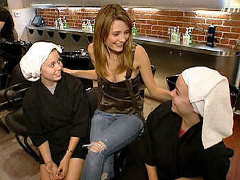 Elli, Allie and Mischa Barton shop