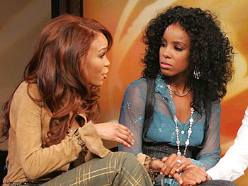 Michelle Williams and Kelly Rowland of Destiny's Child