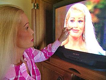 Jenny had 26 plastic surgeries