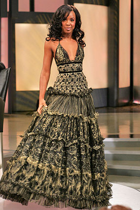 Kelly Rowland in House of Dereon ball gown