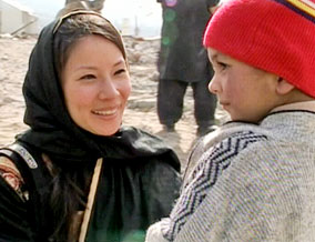 Lucy Liu visits a school in Pakistan