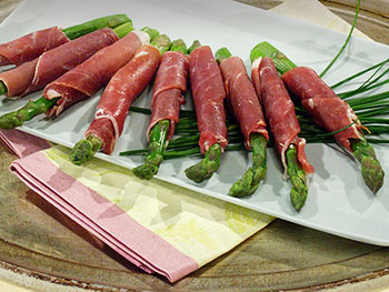 Prosciutto-Wrapped Asparagus Spears