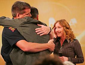 Tina and Dan Zahn thank Trooper Les Boldt.