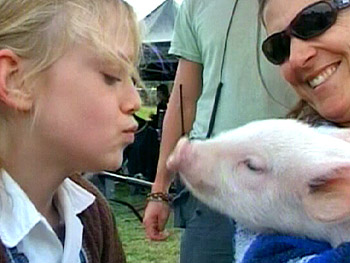 Dakota on the set of Charlotte's Web