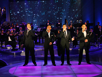 Il Divo performs 'O Holy Night.'