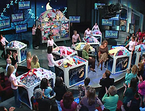 The audience collects 32,046 pairs of pajamas!