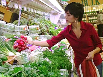 Environmental expert Simran Sethi shops for green goods.