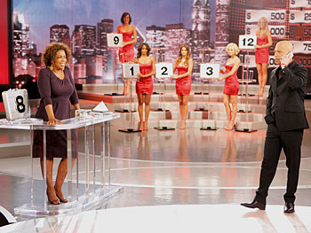 Oprah plays 'Deal or No Deal' with Howie Mandel.