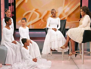 Dwana Smallwood with young dancers Desiree, Whiteny, Naja and Liana