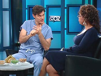 Dr. Oz shows Oprah how to get enough fiber.