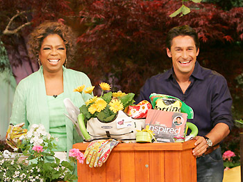 Oprah and Jamie introduce the Summer in a Box!