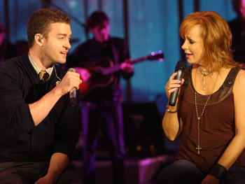 Reba and Justin sing 'The Only Promise That Remains.'
