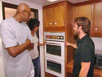 Tonya and Keith tell Nate about their dream kitchen.