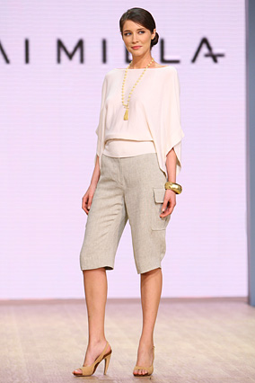 The white knit kimono top and linen long shorts
